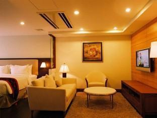 Plaza Sutera Biru Hotel - Room type photo