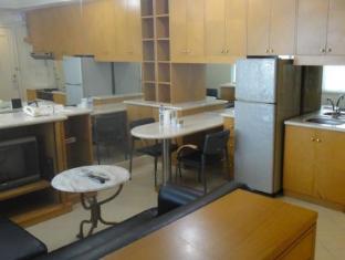 Batavia Apartments Jakarta - Kitchen