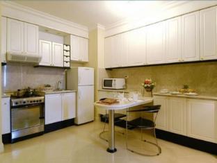 Batavia Apartments Jakarta - Kitchen of 1 bedroom apartment