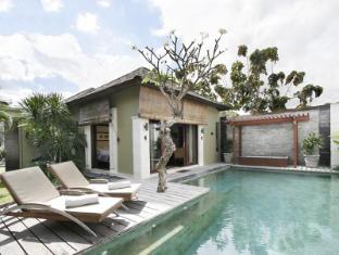 Pradha Villas Seminyak Bali - Swimming Pool