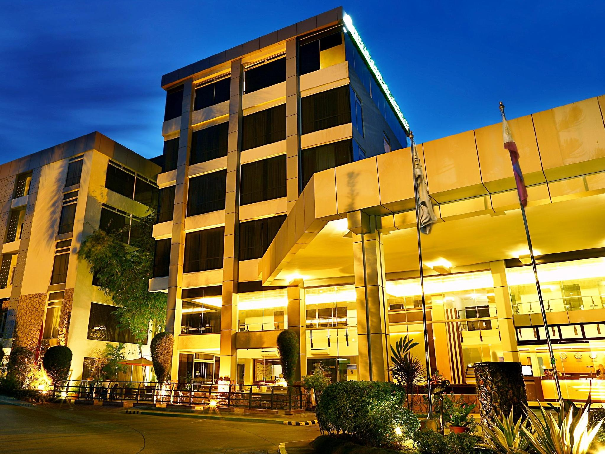 The Ritz Hotel at Garden Oases Davao - Hotel Exterior
