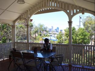 Minto Colonial Accommodation Brisbane - Balcony