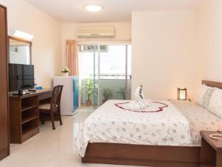 KV Mansion Bangkok - Studio room overview