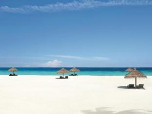 Constance Moofushi Maldives Islands - Beach View