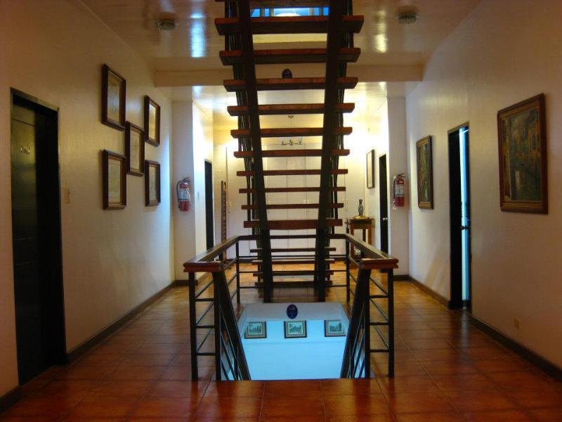 Potter's Ridge Tagaytay Hotel