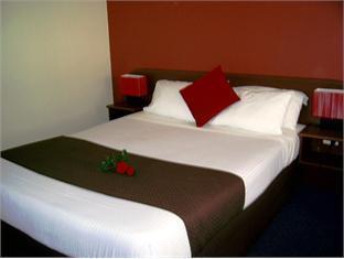 Parkway Motel - Room type photo