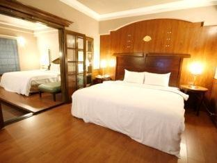 Kindness Hotel Quang Hua - Room type photo