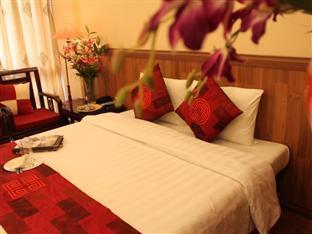 Moonshine Palace Hotel - More photos