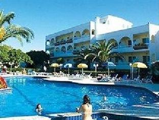 Happy Days Hotel רודוס - בית המלון מבחוץ