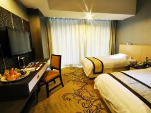 Hermes Palace Hotel Medan - Suite Room
