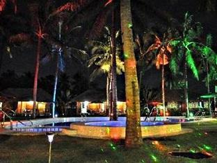 Dream Native Resort Bohol - Hotel at Night