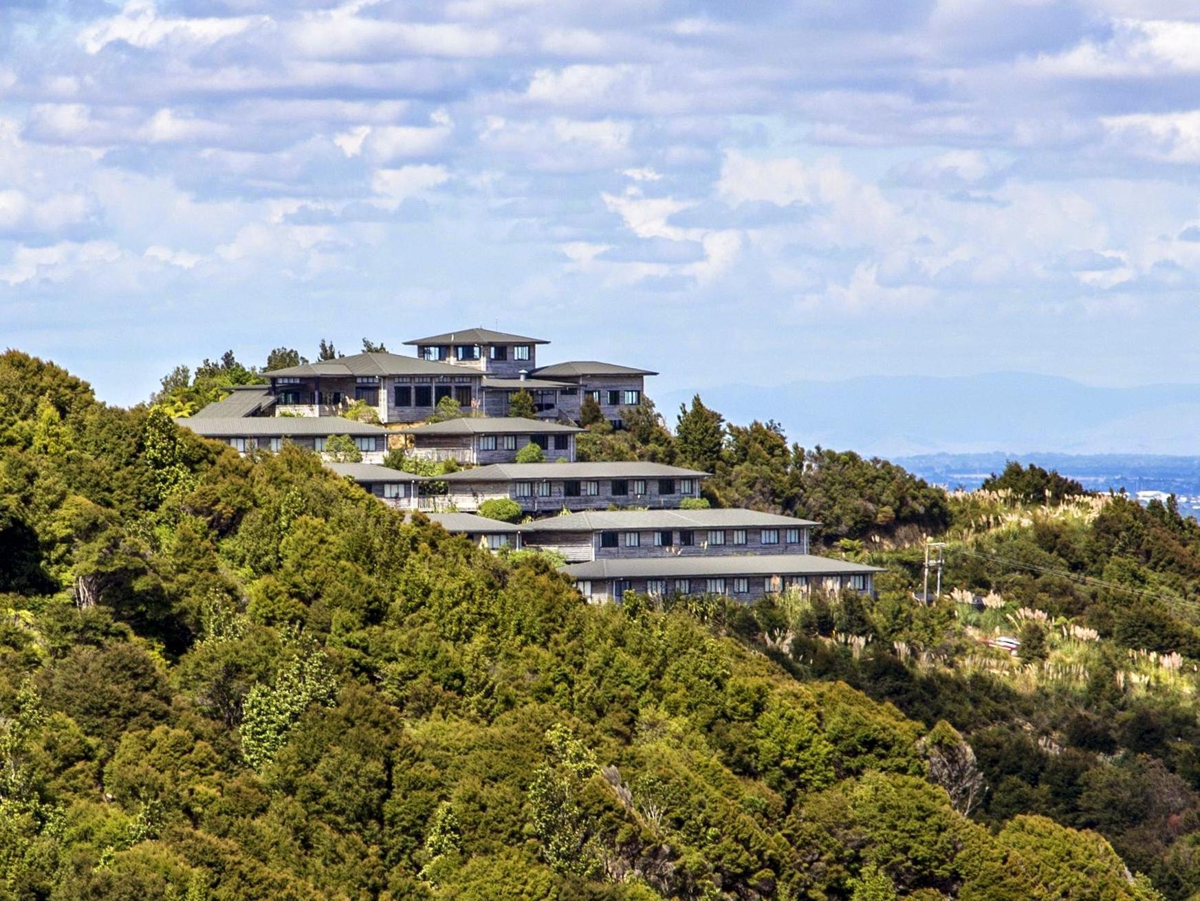 Hillside Hotel and Nature Resort - Hotels and Accommodation in New Zealand, Pacific Ocean And Australia