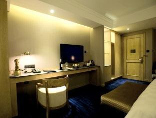 New Color Hotel - Room type photo