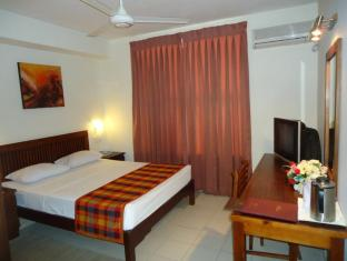 Concord Grand Hotel Mount Lavinia - Standard Room Interior