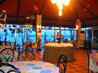 Olman's View Resort Bohol - Food, drink and entertainment