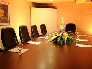 Casa Leticia Boutique Hotel Davao - Katrina Board Room