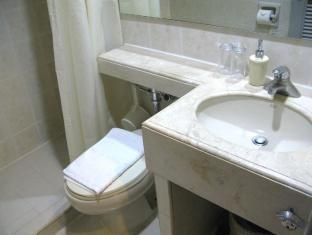 Casa Leticia Boutique Hotel Davao City - Superior Twin Bathroom