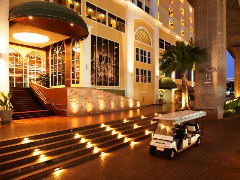Nasa Vegas Hotel Бангкок