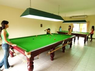 Getaway Resort Lake Mabprachan Pattaya - Snooker Room