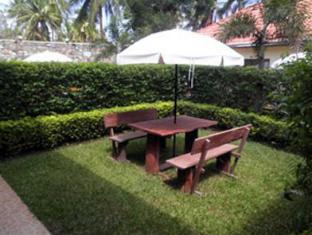 Getaway Resort Lake Mabprachan Pattaya - Private Terrace in the Garden