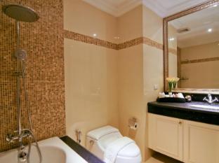 Miracle Suite Pattaya - Superior - Bathroom