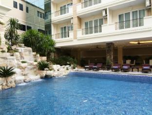 Miracle Suite Pattaya - Swimming Pool