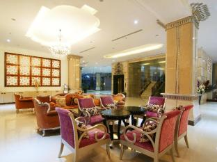 Miracle Suite Pattaya - Lobby