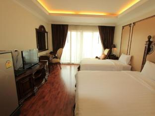 Miracle Suite Pattaya - Superior Triple