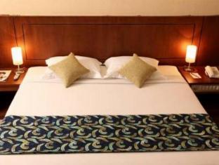 Hotel Oval סורבאיה - חדר שינה
