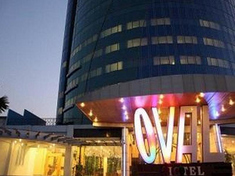 Hotel Oval סורבאיה