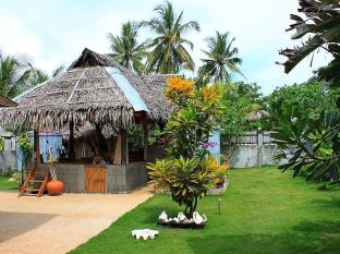 Alumbung Tropical Living בוהול - כניסה