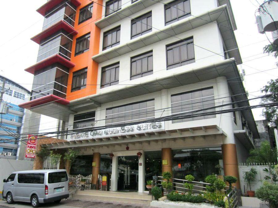 Fuente Oro Business Suites Cebu - Hotellet udefra