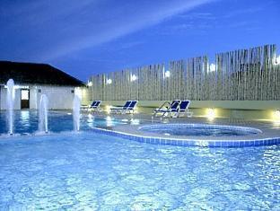 โรงแรมคาทีน่า ภูเก็ต - สระว่ายน้ำ