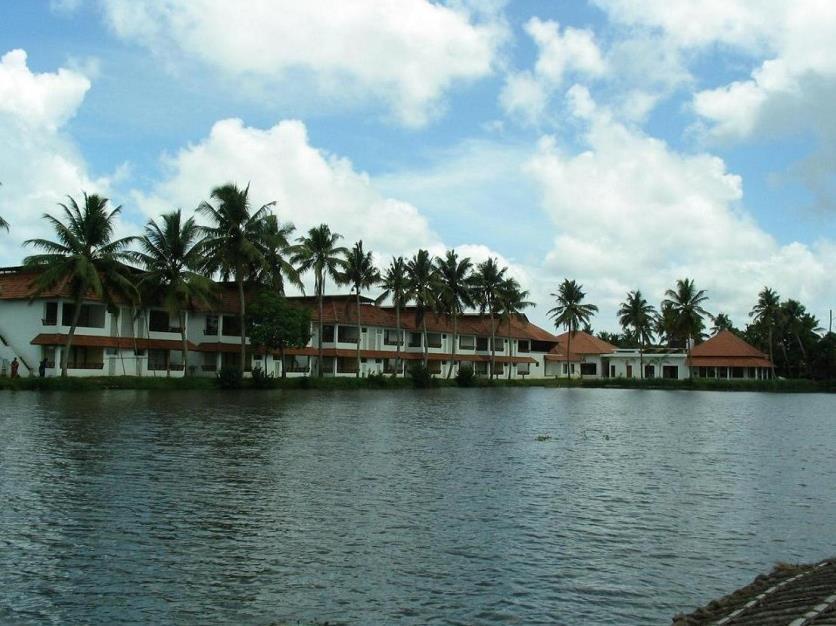 Manor Backwater Resort - Hotell och Boende i Indien i Kumarakom