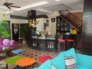 Mau-I Hotel Patong بوكيت - حانة/استراحة
