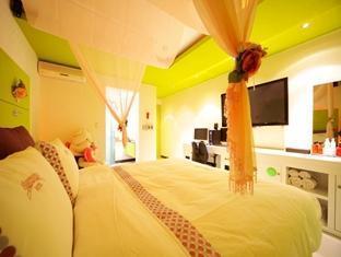 Black Hole Hotel - Room type photo