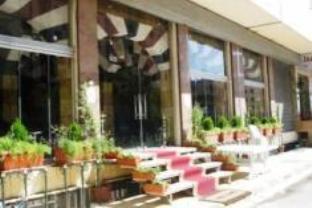 ジャファリ ホテルの外観