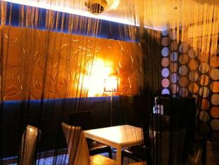 One Motel & Cafe - More photos
