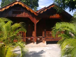 Desa Motel - 2.5 star located at Pantai Cenang