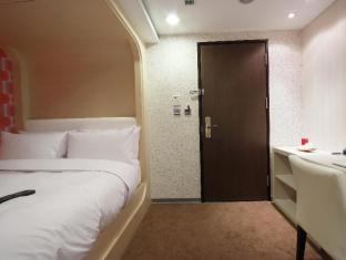 Plaza Hotel Taichung - Suite Room