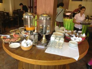 Macau Phnom Penh Hotel Phnom Penh - Buffet Breakfast