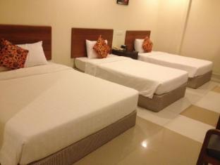 Macau Phnom Penh Hotel Phnom Penh - Superior Triple