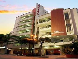 Howard Johnson Hotel Versalles Barranquilla - Hotels and Accommodation in Colombia, South America