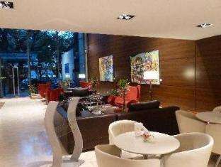 Howard Johnson Hotel Cordoba Cordoba - Lobby