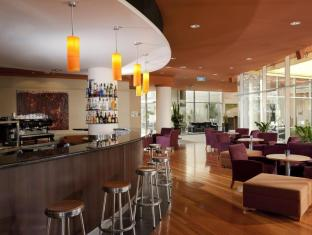 Holiday Inn Potts Point Hotel Sydney - Bar and Lounge