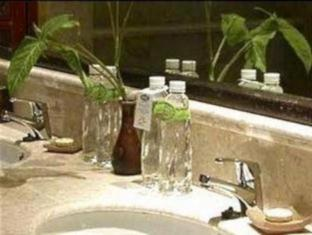 Laras Asri Resort & Spa Salatiga - Kamar Mandi