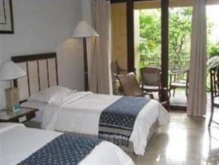 Laras Asri Resort & Spa Salatiga - Kamar Tidur