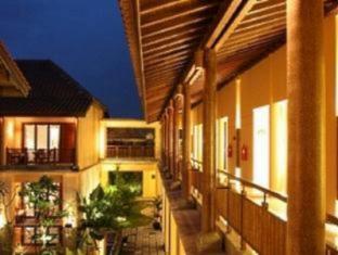 Laras Asri Resort & Spa Salatiga - Balkon/Teras