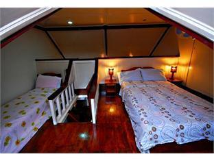 Villa Leonora Beach Resort Puerto Princesa City - Attic or Loft Adjoining Upper A/C Room