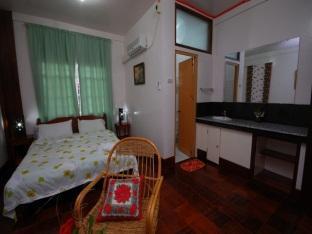 Villa Leonora Beach Resort Puerto Princesa City - Deluxe Aircon Room